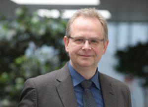 Porträt von Axel Schaefers, Projektleiter des zdi-Netzwerkes im Kreis Viersen